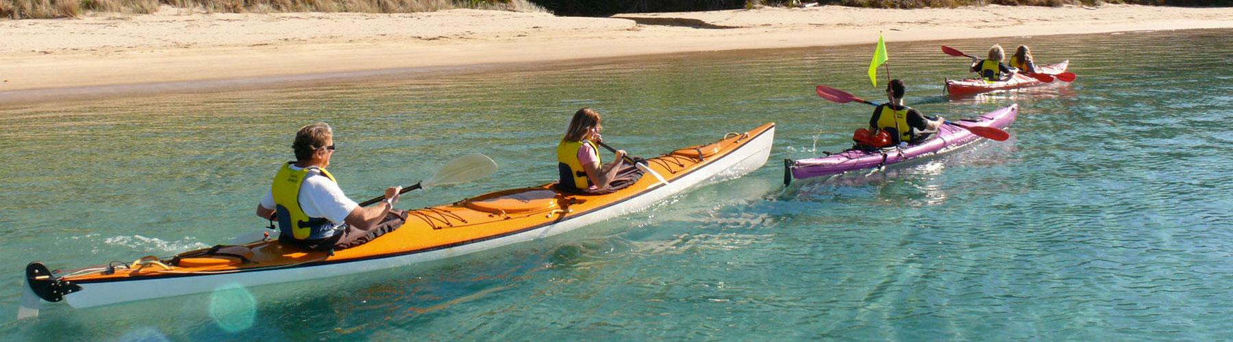 coastal kayakers grouping
