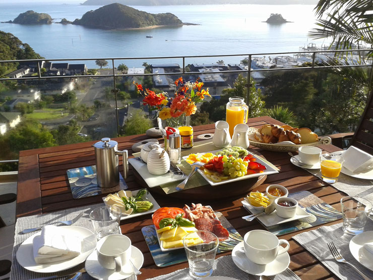 Breakfast at the Allegra House - Bay of Islands