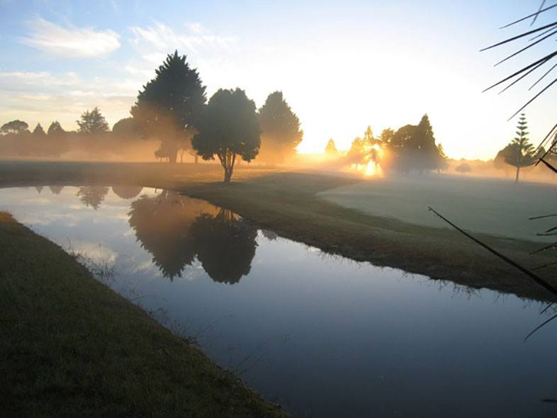 Mist on green Kerikeri Golf Club