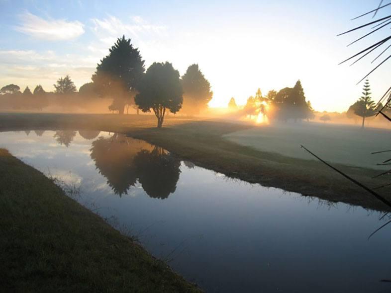 Mist on green Kerikeri Golf Club