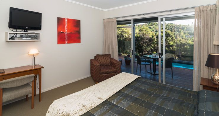 Decks of Paihia - Bed and Breakfast
