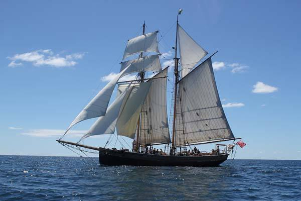 R Tucker Tall Ship Tour Boat