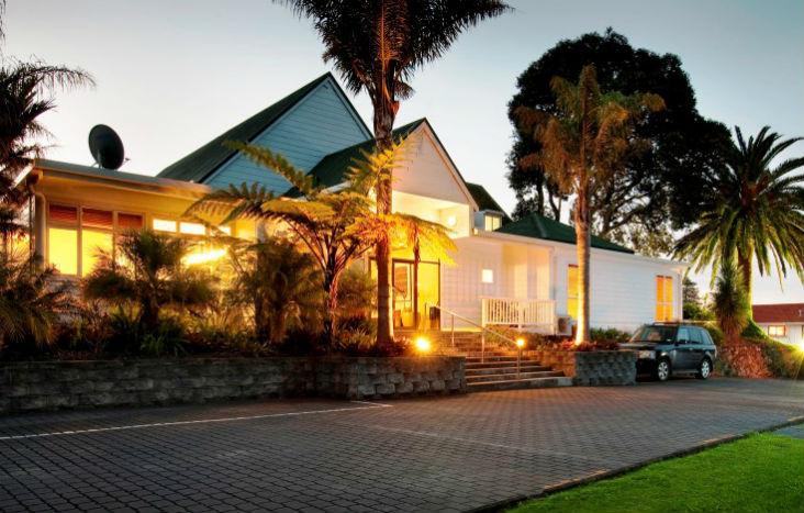 Scenic Hotel Gallery 1