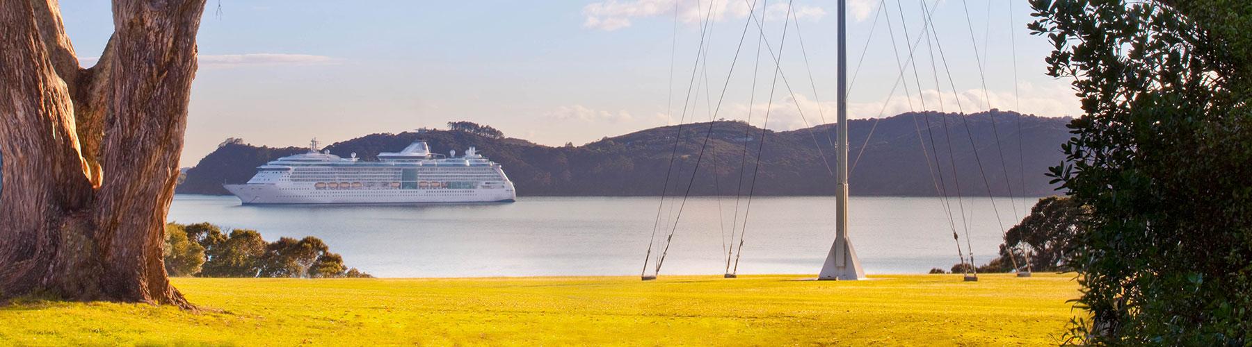 Cruise Ships - Bay of Islands
