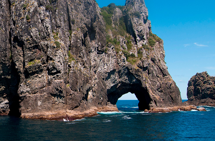 hole in the rock, ocean adventure, bay of islands