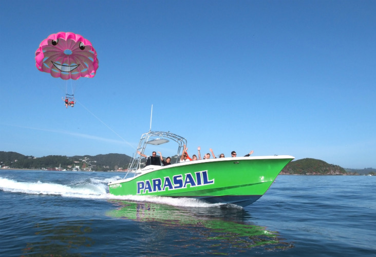 flying kiwi parasailing, bay of islands