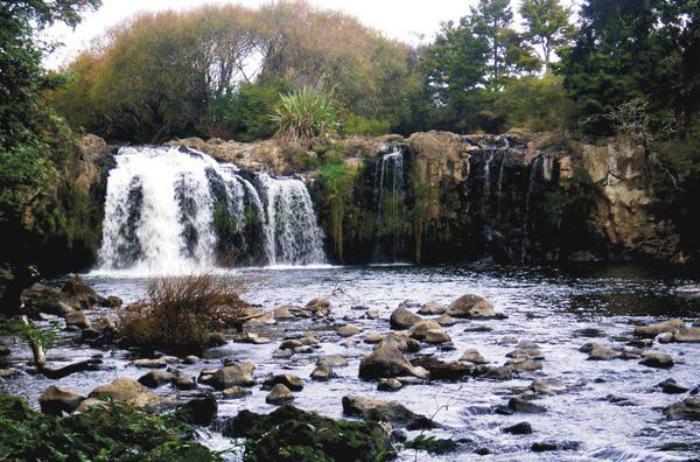 Takahe Falls, Northland