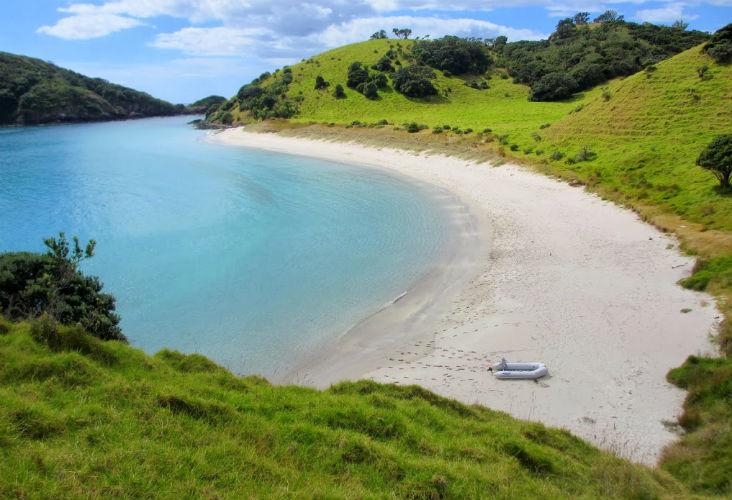Amazing Bay, Waewaetorea Island