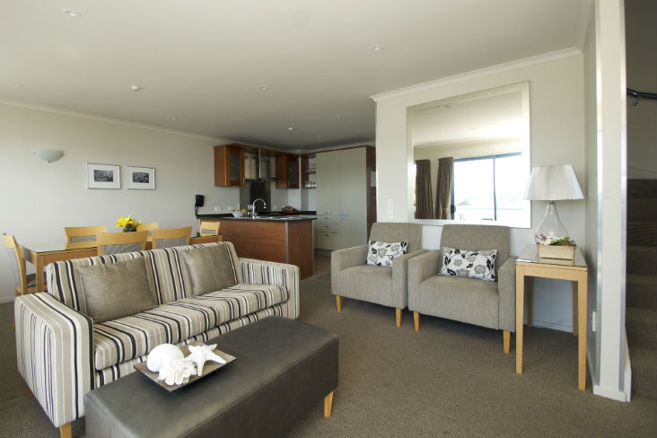Blue Pacific Apartments Paihia Apart 10Kit Din Lounge 732px