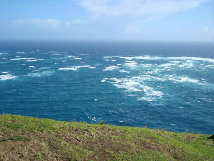 Meeting_point_of_Tasman_Sea_and_Pacific_Ocean