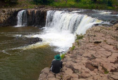 Haruru-Falls (image:expedia)