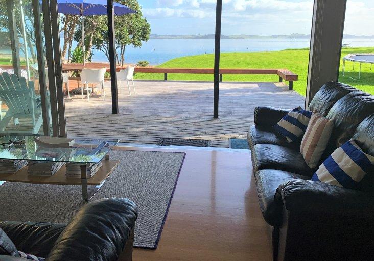 tapeka del mar living room view