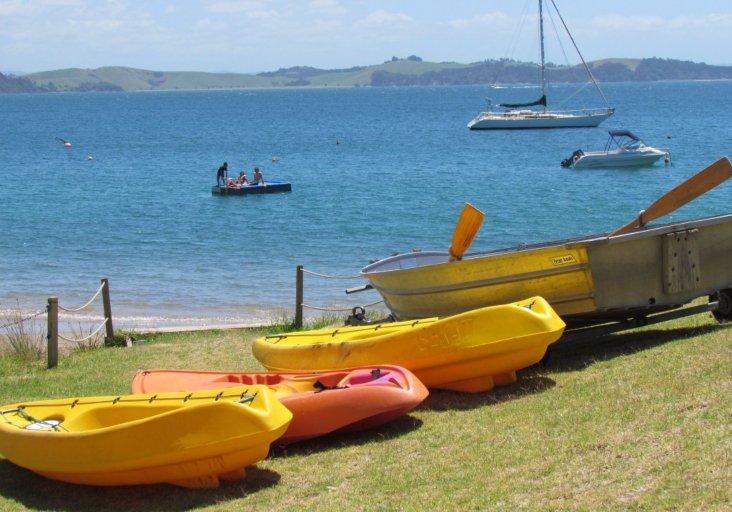 Watercraft at the beach tapeka del mar