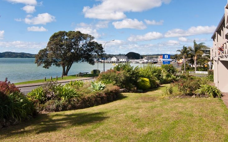 Waterfront Lower - Break Water Motel Paihia