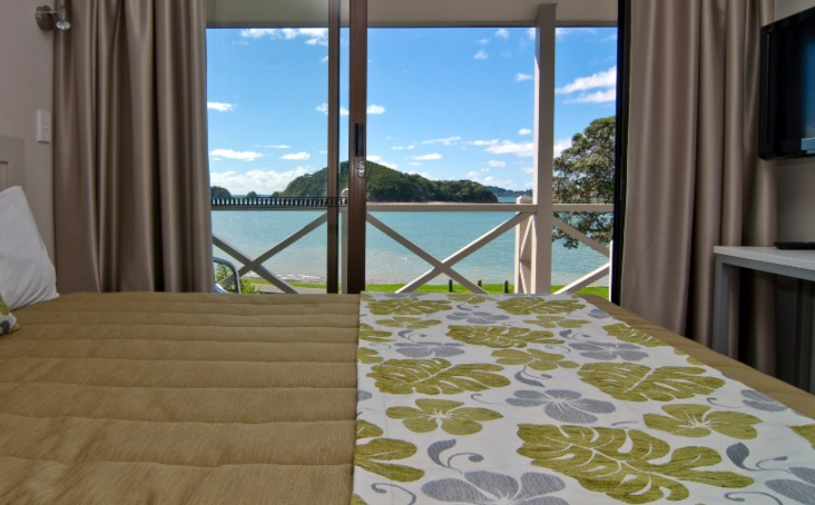 Waterfront Suite Upper 13 - bedroom View - Break Water Motel Paihia